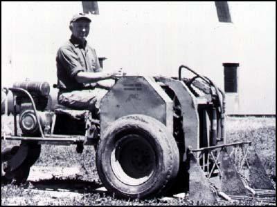 Братья Келлер согласились помочь Э.Велоу и соорудили самоходный легковесный погрузчик